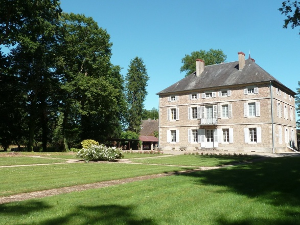 Bresse Bourguignonne. Chalon S/Saône 40 min. BELLE PROPRIÉTÉ SUR 2 HECTARES