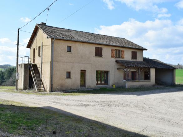 Sud Bourgogne. Entre Charolais et Morvan. Montceau 25 min. MAISON AVEC VUE SUR 2 HECTARES