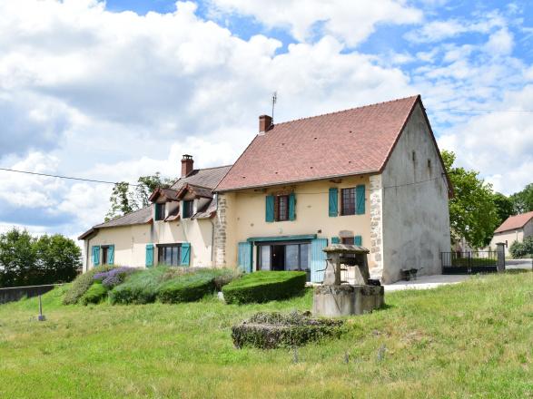 Ouest Bourgogne. Gueugnon/Bourbon Lancy 25 min. MAISON DE CAMPAGNE AVEC BELLE VUE